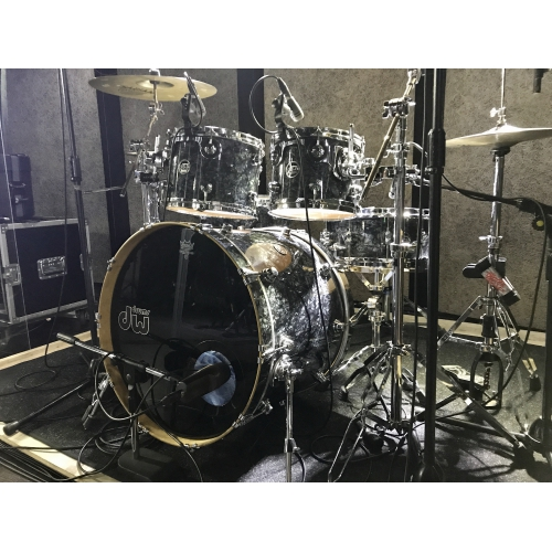 DW Performance Black Diamond 5pcs Drum Set